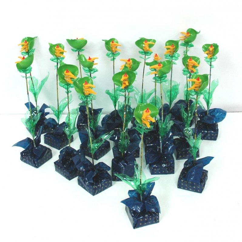 Bloemen uit plastic afval